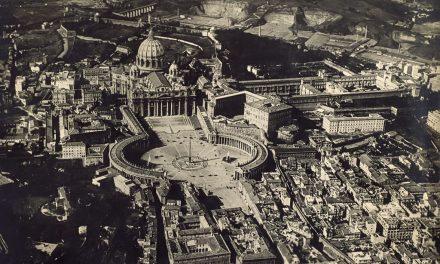 Veduta aerea Roma Piazza San Pietro